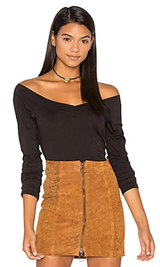 Devon Off Shoulder Top en Noir