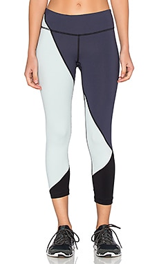 Vimmia Adagio 3/4 Pant in Night & Ash