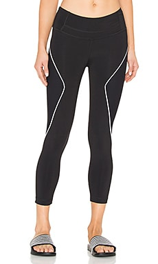 Foundation Capri en Noir