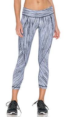 Vimmia Reversible Splice 3/4 Pant in Black & White