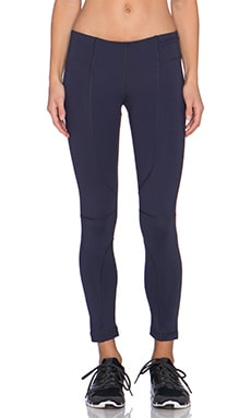 Vimmia Valor 3/4 Pant in Night