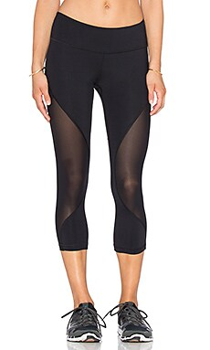 Vimmia Jab Capri Legging in Black