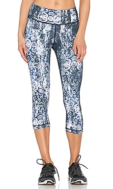 Vimmia Printed Capri Legging in Damask