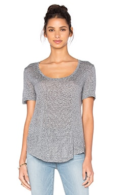 Vince Short Sleeve Scoop Neck Tee in Coastal