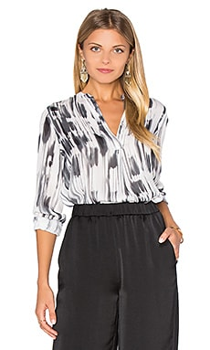 Stripe Covered Placket Blouse en Blanc & Noir