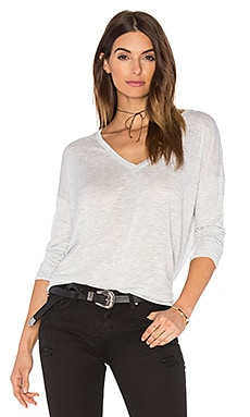 Drop Sleeve Vee Tee en Gris Clair Chiné