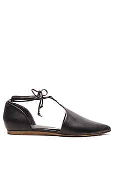 Noella Flat in Black