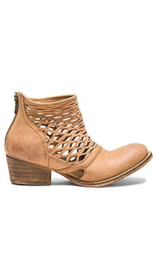 Rebels Cali Bootie in Tan