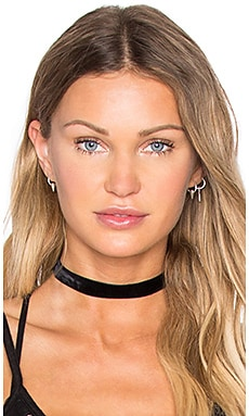 Vanessa Mooney Velvet Choker in Black
