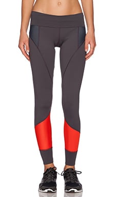 VPL Femur Wide Legging in Fiery Red