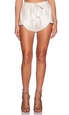 The Wallflower Expedition Shorts in Cream