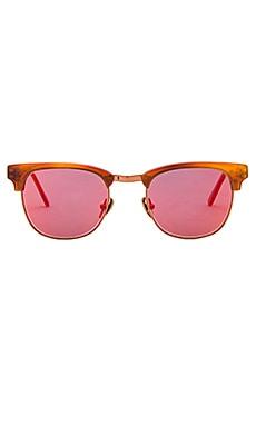 WESTWARD \\ LEANING Vanguard 10 Sunglasses in Amber Shiny