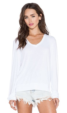 Wildfox Couture Essential Baggy Beach V-Neck in Clean White