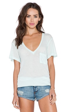 Wildfox Couture Essential V Neck Tee in Pool Dip