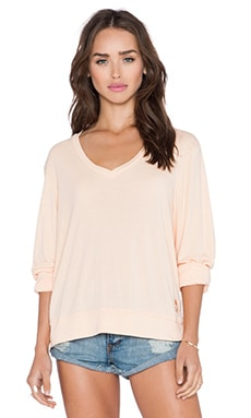 Wildfox Couture Essential Baggy Beach V Neck Tee in Lox