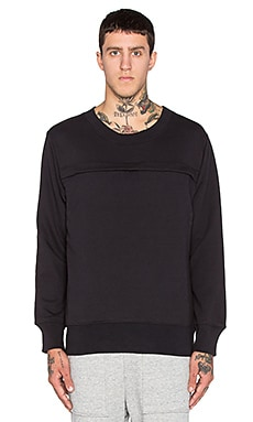 Wil Fry Pouched Sweatshirt in Black