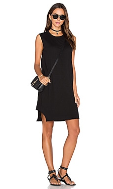 Notch Hem Shift Dress in Black