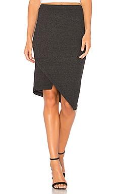 Slim Slant Shifted Skirt