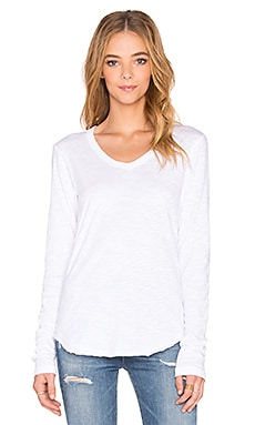 Wilt Slub Shrunken Raw V Neck Tee in White