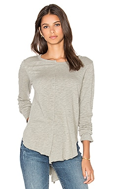 Shift Neck Shirttail Top en Gris Chiné