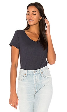 V-Neck Unfinished Hem Shirttail Tee