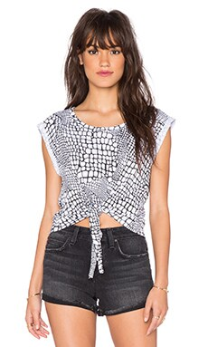 Wilde Heart Care Free Crop Tee in Crack Print