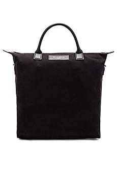 Want Les Essentiels De La Vie O'Hare in Black & Black