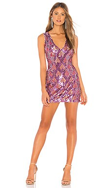 Фото - Мини-платье с блестками ciaro - X by NBD фиолетового цвета