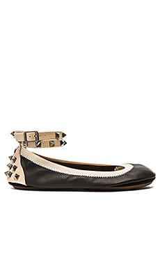 Yosi Samra Addison Flat in Black & Fawn