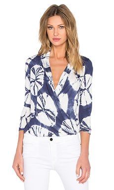 Young, Fabulous & Broke Getty Top in Navy Sanddollar Wash