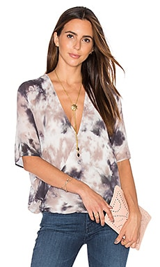 H Wrap Blouse en Grunge Wash