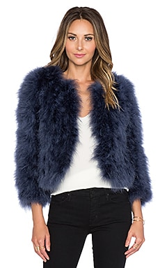 Away We Go Faux Fur Feather Jacket en Marine