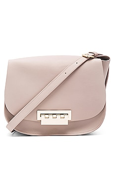Eartha Iconic Saddle Bag en Blush
