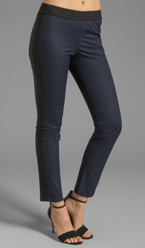 Side Zip Legging