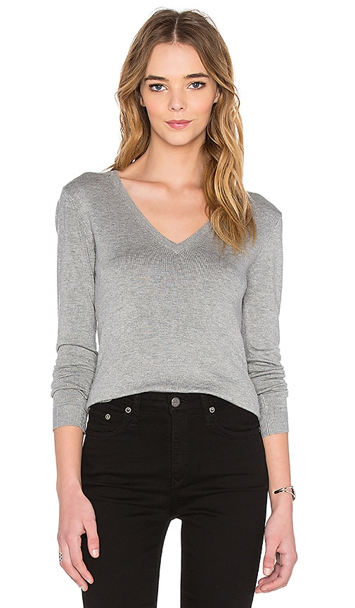 525 america V Neck Long Sleeve Sweater in Heather Grey
