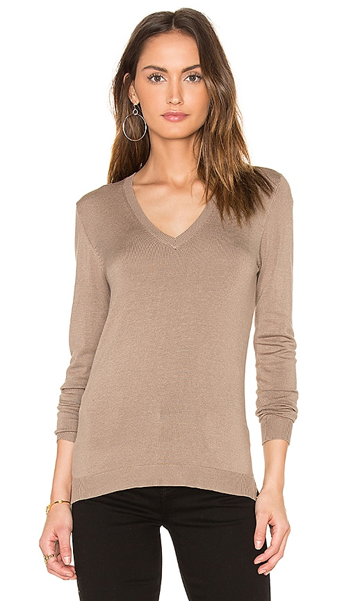 525 america V Neck Sweater in Brown