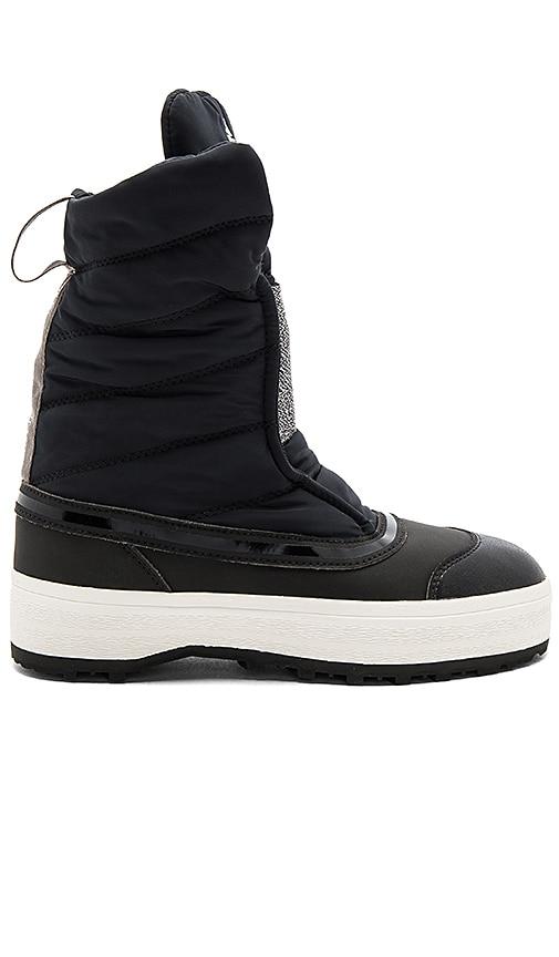 adidas by Stella McCartney Wintersport Boot in Black
