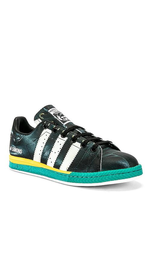 Samba Stan Sneaker