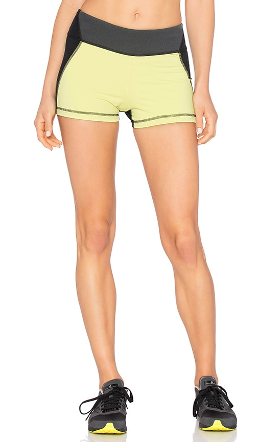 ALALA Edge Hot Short in Citrine & Black