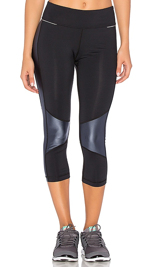ALALA Blocked Crop Legging in Black