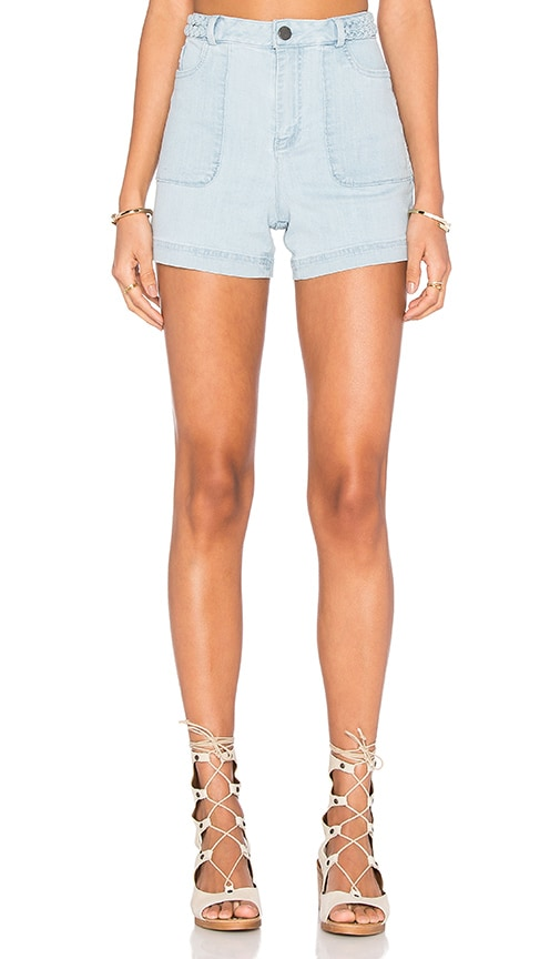 Alice + Olivia Carsen Short in Light Bleach Indigo