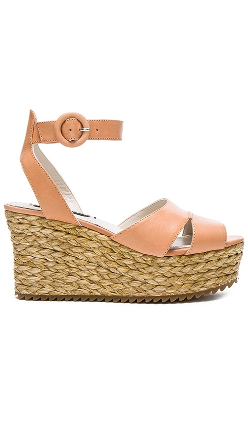 Alice + Olivia Roberta Sandal in Peach