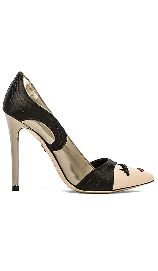 Stacey Wink Pumps