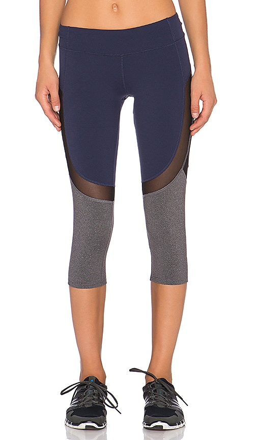 alo Curvature Capri Legging in Rich Navy & Black & Stormy Heather