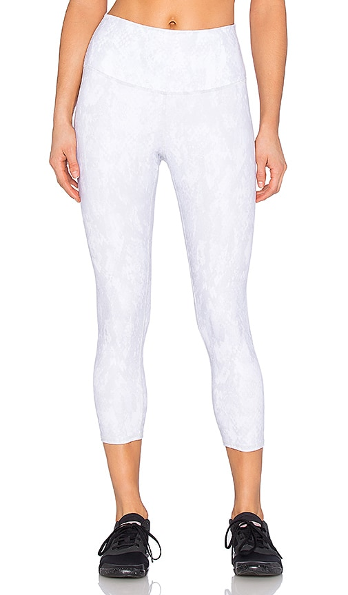 alo High-Waist Airbrush Capri in Gray