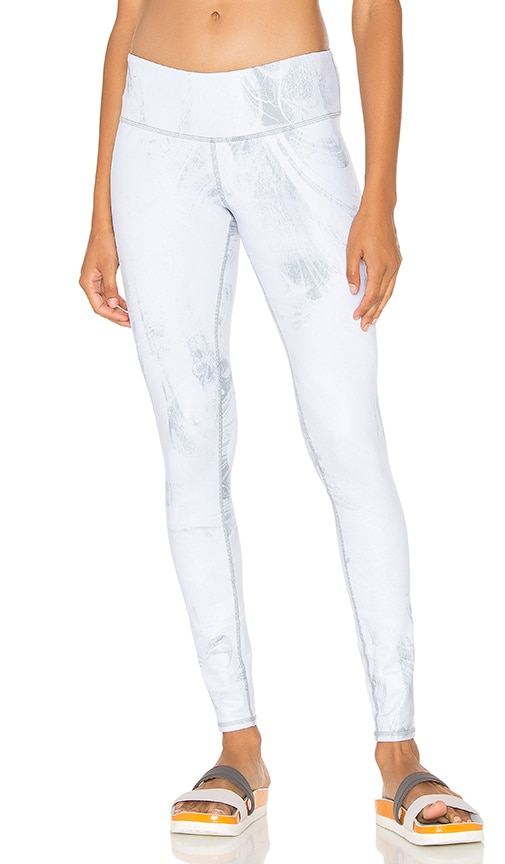 alo Airbrush Legging in White Marble Glossy
