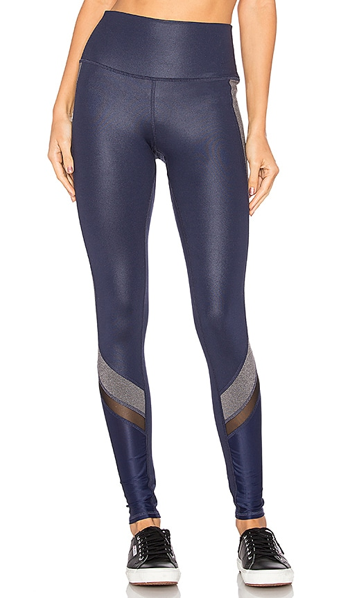 alo Elevate Legging in Blue