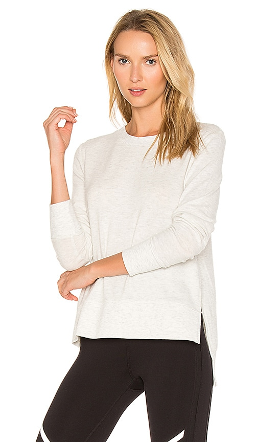 alo Glimpse Long Sleeve Top in Light Gray