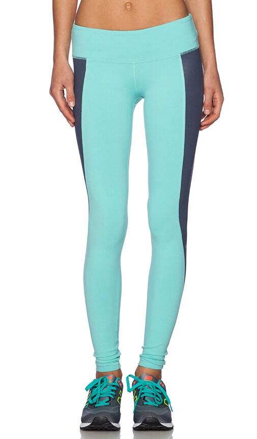 e5e13e3af528d alo Illusion 3 Legging in Pool Blue & Ombre Blue Glossy | REVOLVE