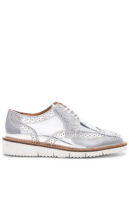 Alias Mae Shae Sneaker in Metallic Silver